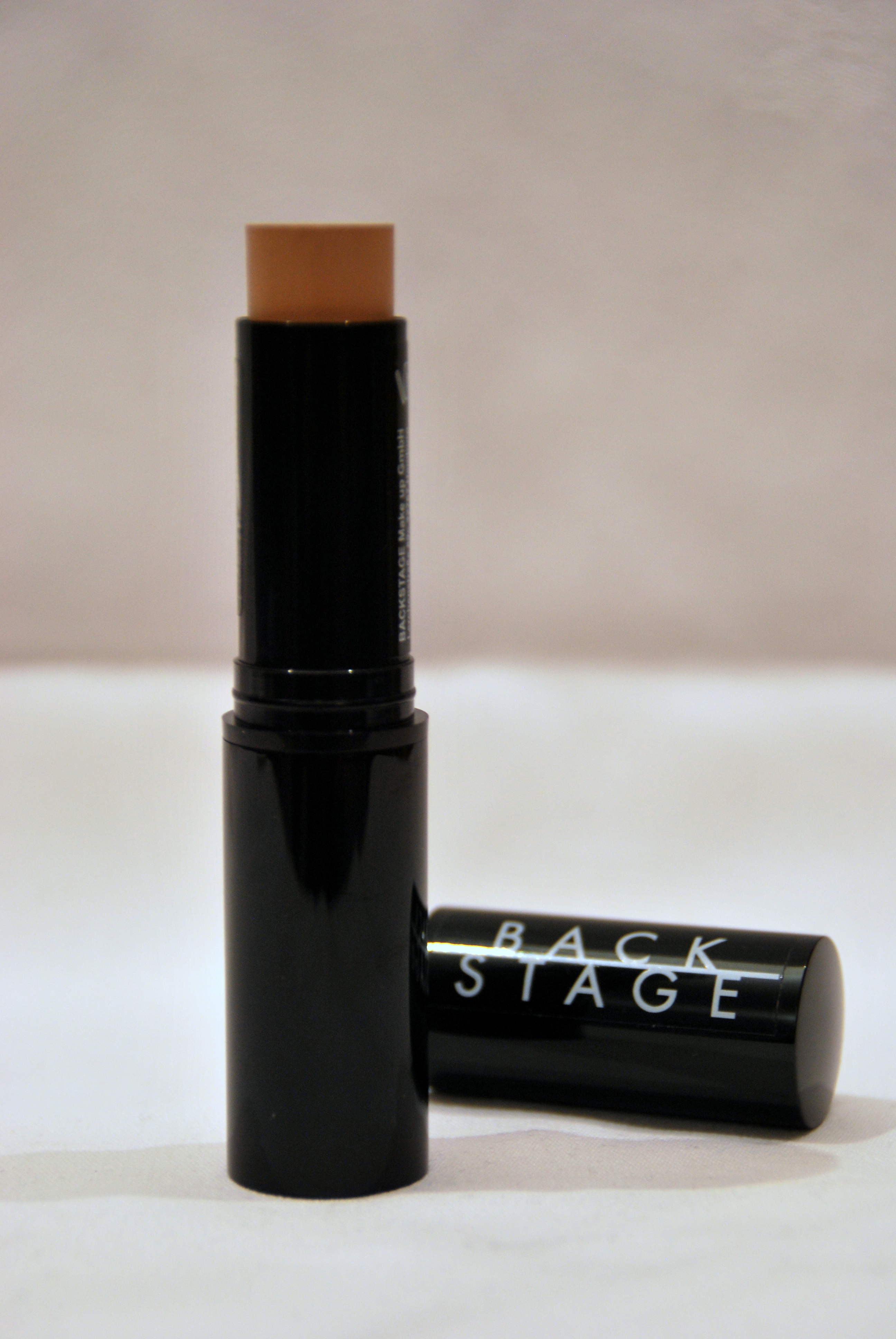 foundation stick von back stage profi make up cosmetica roos online shop. Black Bedroom Furniture Sets. Home Design Ideas